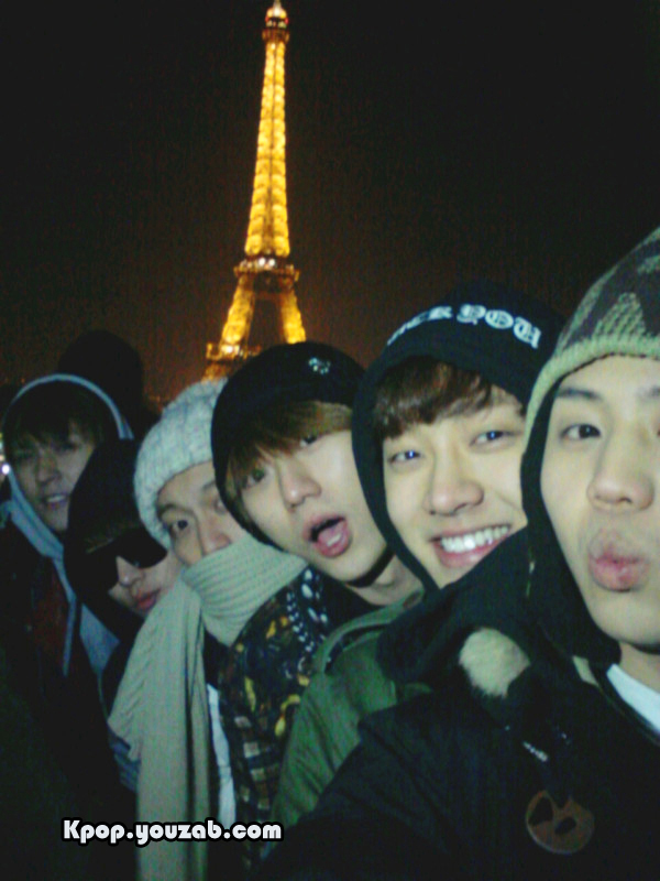 B2ST in Paris