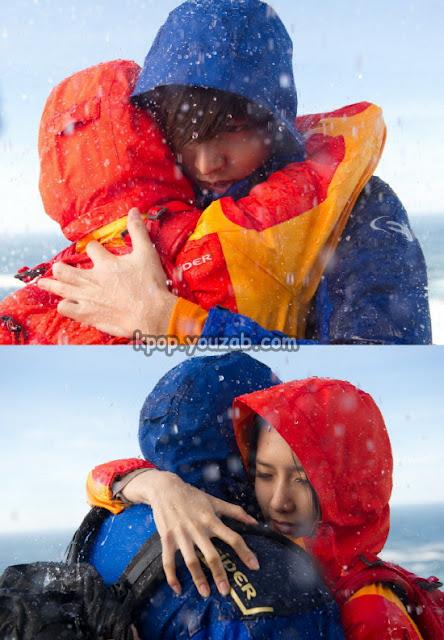 ยุนอา ลีมินโฮกอดกันท่ามกลางสายฝน