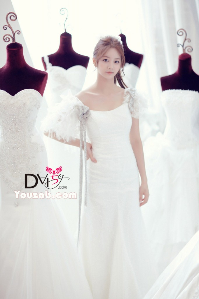 Hyeri- Girls Day Wedding dress