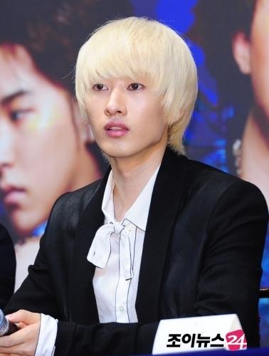 """อึนฮยอกจากSuper Junior จะเข้าเป็นพิธีกรพิเศษในรายการ """"Birth Of A Star 2"""""""