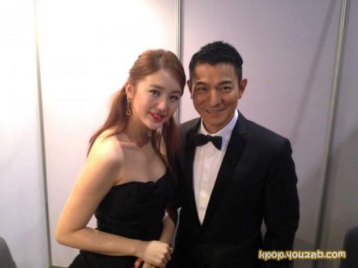 ยุนอึนเฮถ่ายรูปคู่กับหลิวเต๋อหัว(Andy Lau)ที่งาน  Asian Film Awards!!