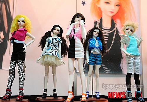 f(x) Dolls