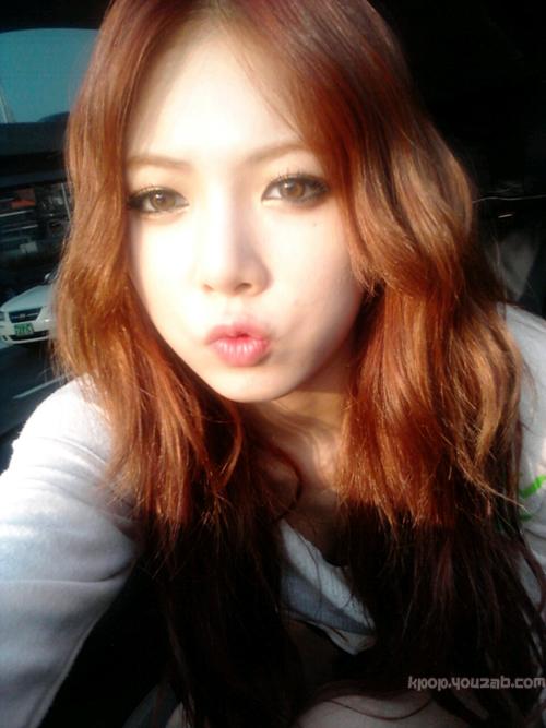 ฮยอนอาจาก4Minuteโชว์สีผมใหม่สุดเปรี้ยวของเธอ