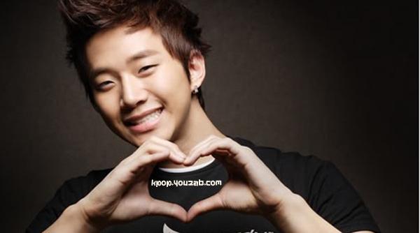 จุนโฮสมาชิก2pm เผยว่าแม่ของเขาแนะนำให้เขาไปทำตาสองชั้น!!
