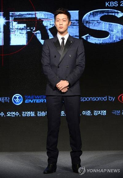 ดูจุน B2ST เผยความตั้งใจของเขาในการแสดงเรื่อง IRIS 2