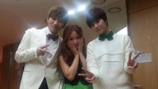 "[Live]K.Will, โซยู SISTAR และจองมิน Boyfriend โชว์เพลง ""White Love"" ใน MCountdown"