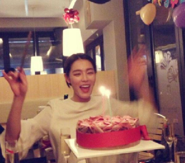 ว้าว!!กาฮีฉลองวันเกิดของเธอพร้อมกับวันคริสต์มาส 25 ธันวาคม!