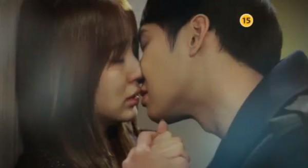 kiss scene-I Miss You