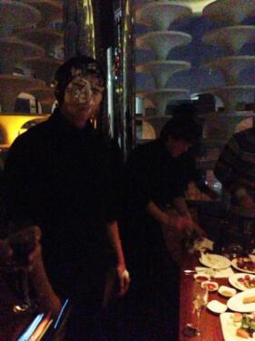 แทคยอน 2PM ได้รับเค้กแบบเต็มๆในการฉลองวันเกิดของเขา