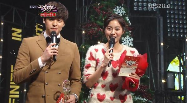[Live]ผู้ชนะในรายการ Music Bank 121221 ได้แก่...โยซอบ!! + Live วันนี้