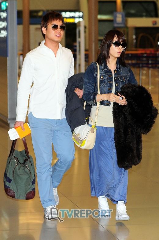 ซอนเย Wonder Girls ถูกพบขณะออกเดินทางไปฮันนีมูนกับสามีของเธอเจมส์ปาร์ค