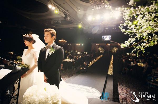 เผยภาพจากงานแต่งงานของซอนเย Wonder Girls + ภาพโบนัสกับสาวๆ SNSD