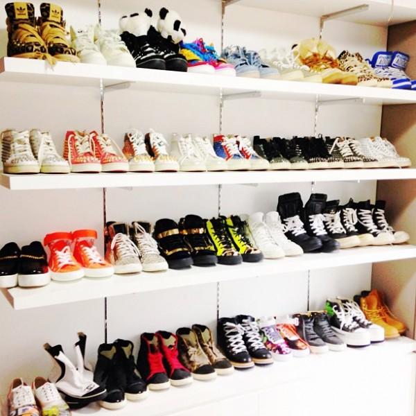 ว้าว!! CL จาก 2NE1 กับคอลเลกชั่นรองเท้าส้นสูงและรองเท้าผ้าใบของเธอ