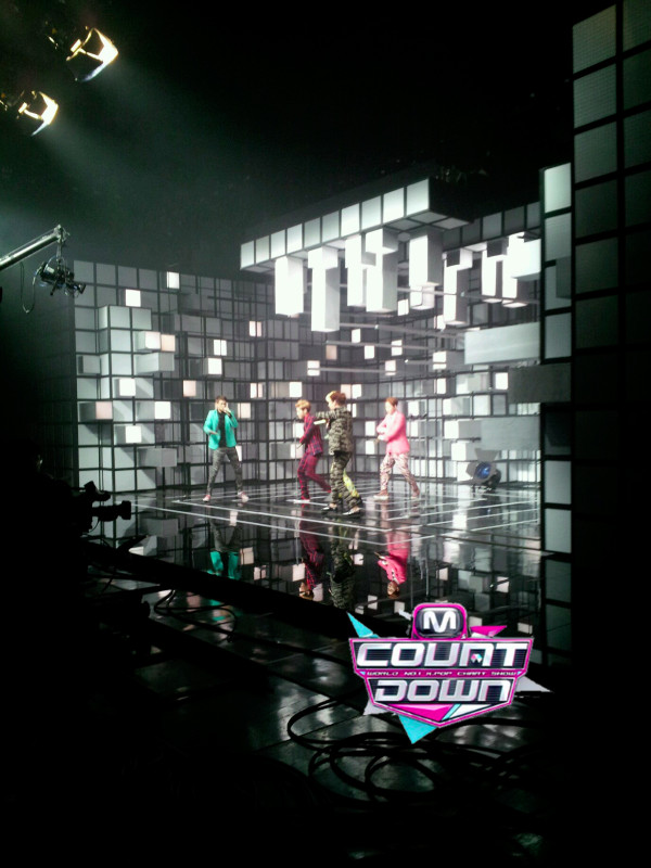 [Live]SHINee คัมแบ็คในเพลง Beautiful + Dream Girl ในรายการ M!Countdown