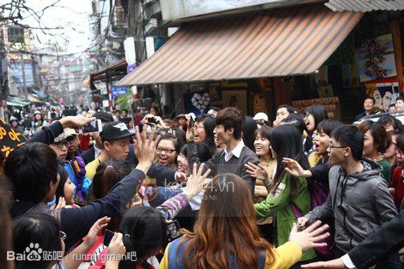 ว้าว!!สมาชิก Running Man ถูกพบขณะถ่ายทำในประเทศเวียดนาม
