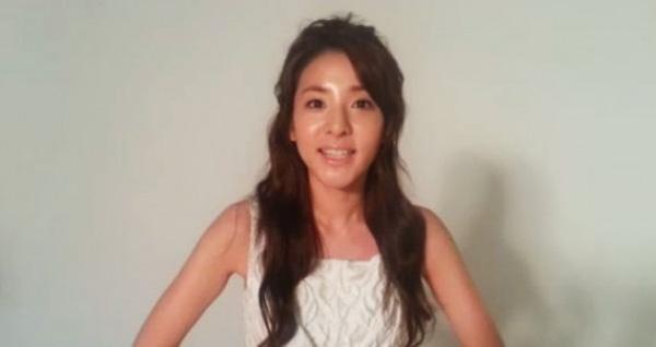 ซานดารา 2NE1 อวยพรแฟนๆให้มีความสุขในวันตรุษจีน