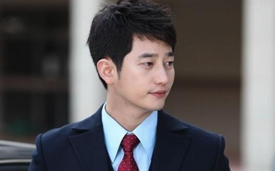 Park Si Hoo-2