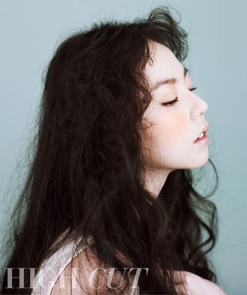 โซฮี Wonder Girls อวดลุคใสๆน่ารักของเธอในนิตยสาร 'High Cut' ล่าสุด