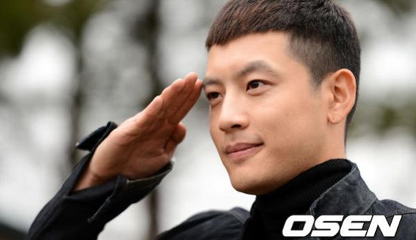 Se7en สมัครเข้ากองทัพเป็นที่เรียบร้อยแล้ว!!