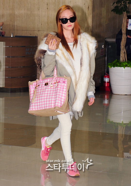 SNSD-Jessica-airport-fashion-March-6-3