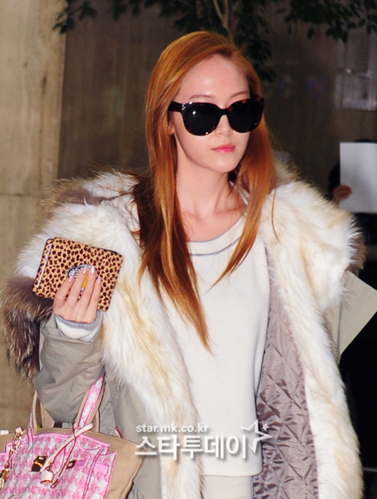 SNSD-Jessica-airport-fashion-March-6-4