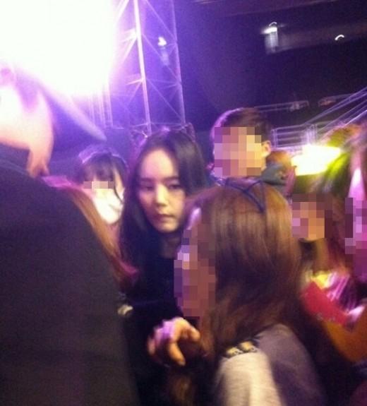 นักแสดงสาวฮันกาอินถูกพบในคอนเสิร์ตของ G-Dragon อีกครั้ง!!