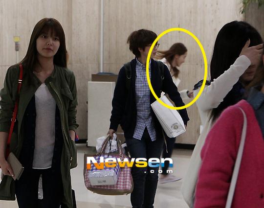 แทยอนและยุนอา SNSD ถูกพบขณะวิ่งหนีจากสื่อที่สนามบินกิมโป