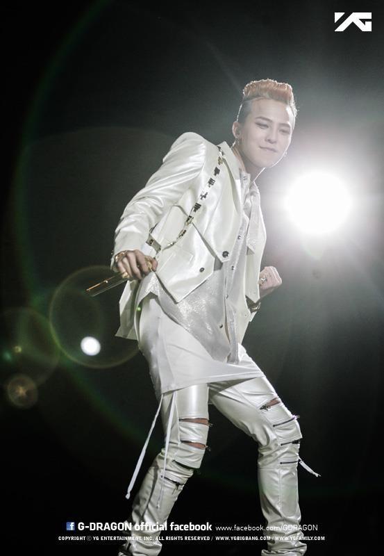 จีดราก้อน BIGBANG เผยว่าขาของเขาอาการดีขึ้นแล้ว!!