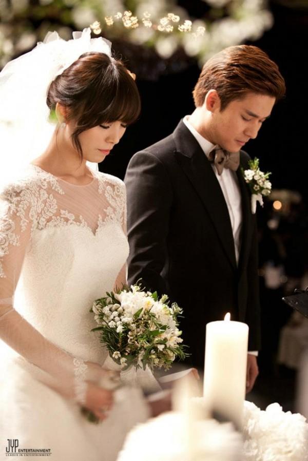 ซอนเยเดินทางกลับเกาหลีพร้อมกับสามีของเธอ