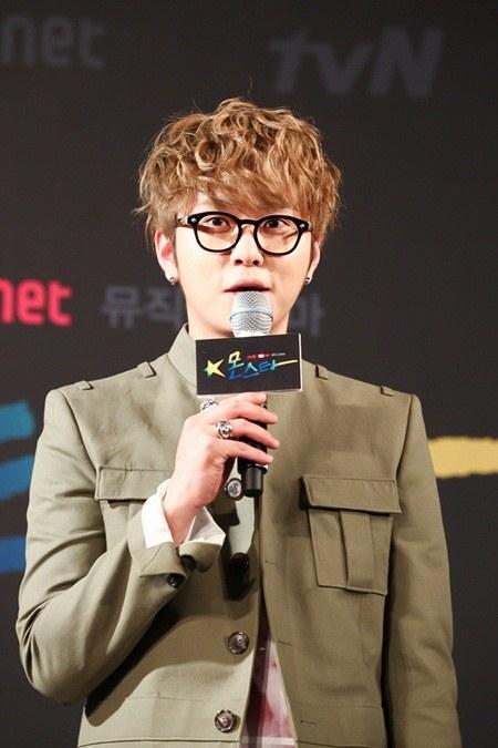 20130513_junhyung_sasaeng