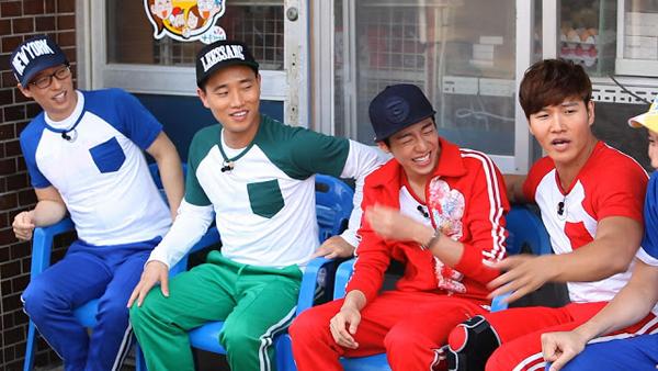 """คิมซูฮยอนได้รับฉายา """"หล่อทึ่ม"""" ในรายการ 'Running Man'"""
