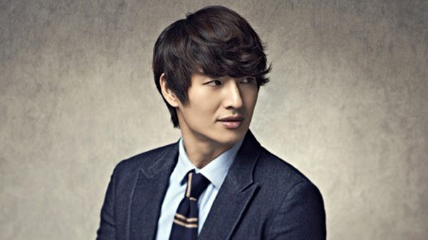 Son-Ho-Young