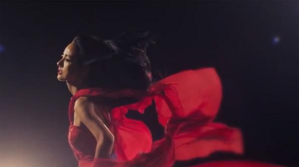 """อีฮโยริปล่อย MV เพลงที่ 3 """"Amor Mio"""" feat. ปาร์คจียอง"""