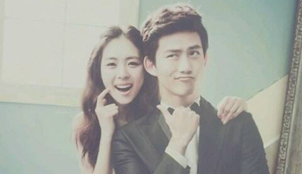 2PM-Taecyeon-Lee Yeon Hee-2