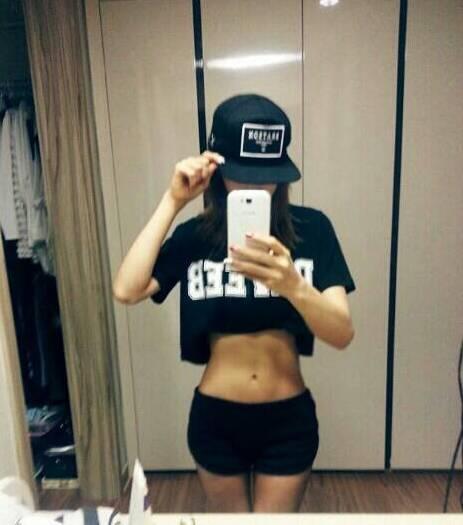 จองอา After School โชว์กล้ามหน้าท้องสุดเฟิร์มของเธอ