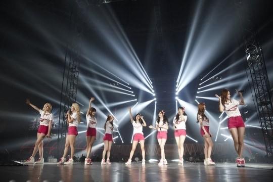 Girls-Generation_1370879265_20130610_snsd_worldtour4