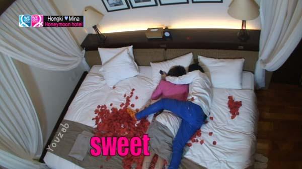 Hongki-Mina-Bed Scene-5