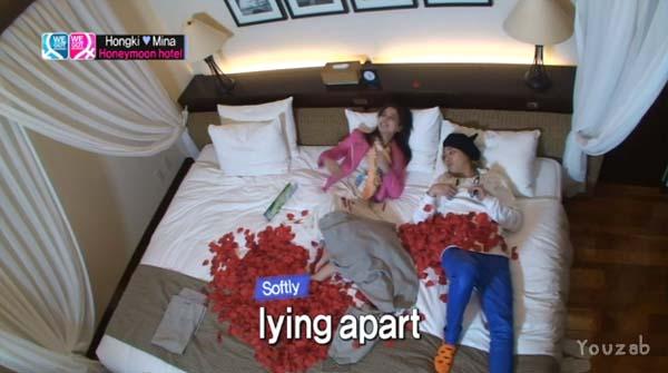 Hongki-Mina-Bed Scene-8