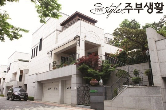 JYJ-Junsu-Xia-Mother-Luxurious house-2