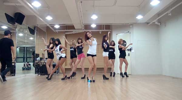 SISTAR-Give It To Me-Dance Practice-3