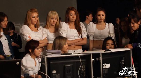 """After School ปล่อยวิดีโอเบื้องหลังการถ่ายทำ MV """"First Love"""""""