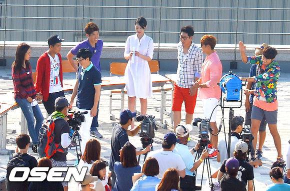 ซอลลี่ f(x) และปาร์คจีซองถูกพบขณะถ่ายทำรายการ Running Man!!
