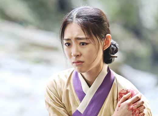 lee-yeon-hee-gu-family-book-1