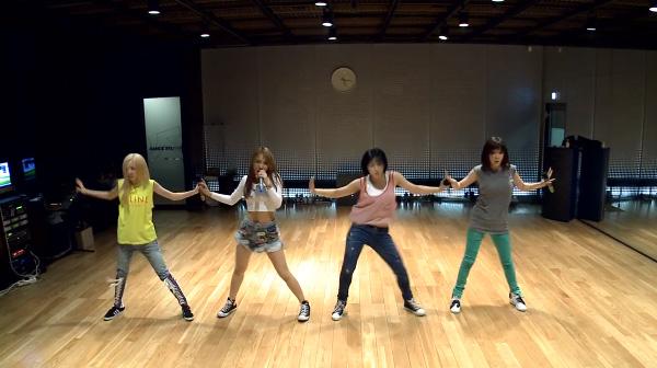 2ne1-falling in love-dance