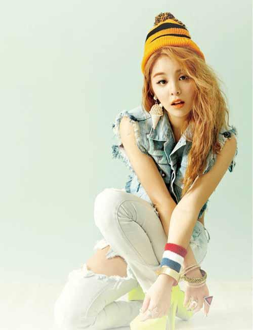 Ailee ล้มอีกครั้งในระหว่างการฝึกซ้อมในรายการ Music Bank เพราะข้อเท้าของเธอ