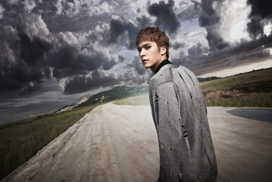 B2ST_1373913329_20130715_shadow_dongwoon