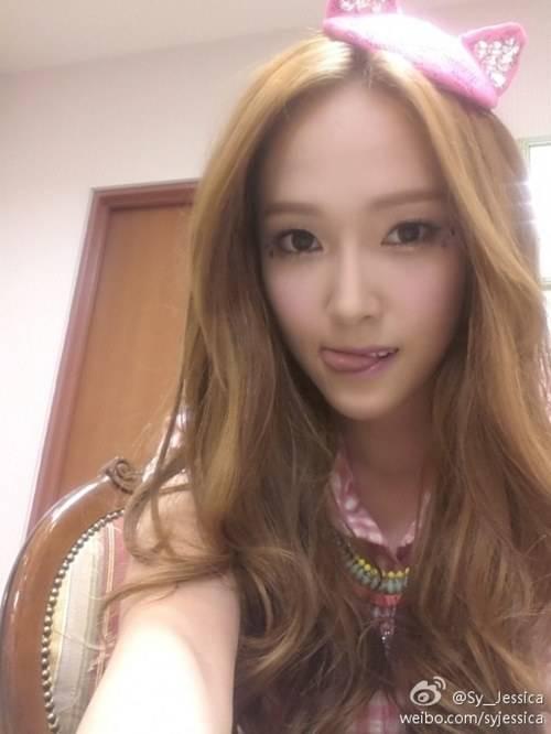 เจสสิก้า Girls Generation กล่าวทักทายแฟนๆในชุดแมวน่ารัก
