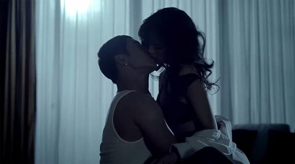 """คิมฮยอนจุงปล่อย MV """"Your Story"""" พร้อมกับปล่อยคลิปซ้อมเต้นเพลง """"Unbreakable"""""""