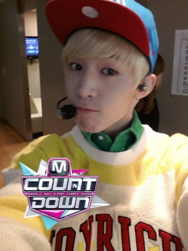 "[Live]เฮนรี่โชว์เพลง ""1-4-3 I Love You"" feat. แอมเบอร์ f(x) บนเวที M!Countdown"