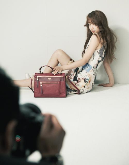 ภาพที่ไม่ต้องแก้ไขใดๆของซูจีขณะถ่ายแฟชั่นกับ Elle Korea กำลังได้รับความสนใจอย่างมาก